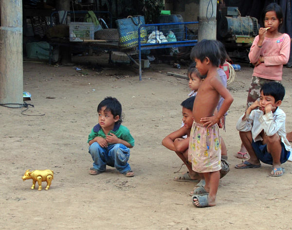 Kids - Mekong River, Kampong Cham, Cambodia