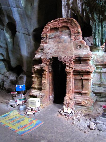 Temple - Phnom Chhnork Caves, Kampot, Cambodia