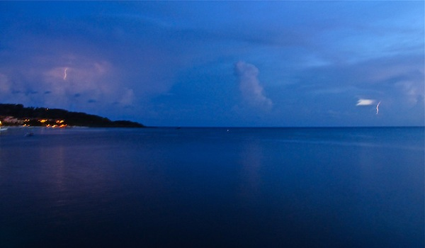 Lightning - West Bay, Roatan, Honduras